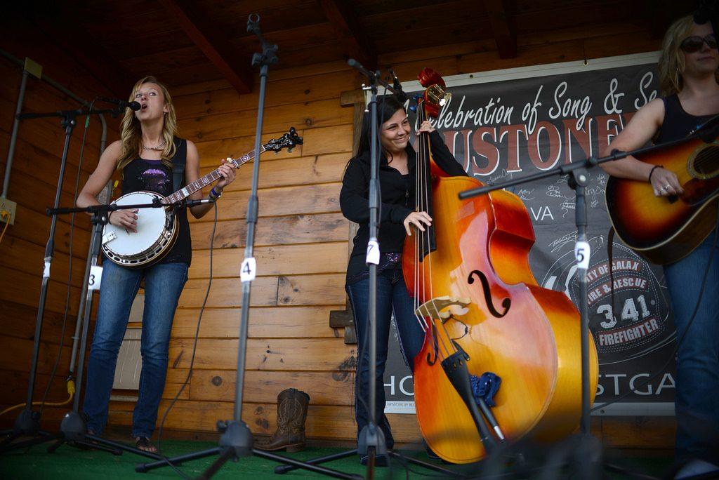 Loose Strings band, Houstonfest 2014 - Pat Jarrett