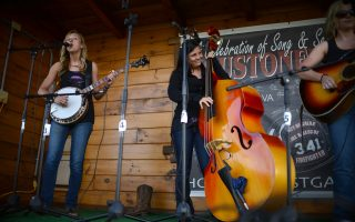 Loose Strings band, Houstonfest 2014 – Pat Jarrett
